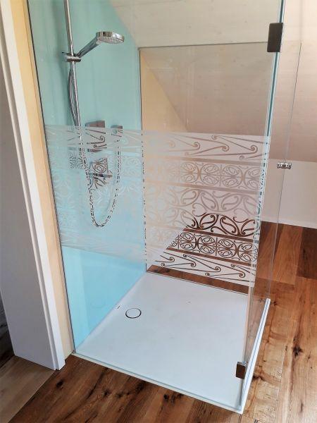 Glasfinder / Keller Glas Lasergravur / Duschen, Bäder – Keller Glas