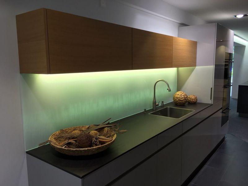 glasfinder / innenanwendungen / küchen ? keller glas - Küchenrückwand Glas Beleuchtet