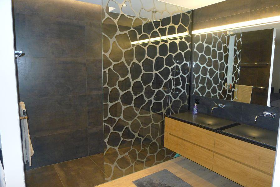 glasfinder glasarten sicherheitsglas keller glas. Black Bedroom Furniture Sets. Home Design Ideas