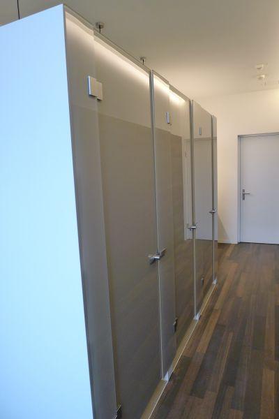glasfinder innenanwendungen ganzglasanlagen keller glas. Black Bedroom Furniture Sets. Home Design Ideas